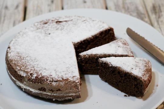 Шоколадный бисквит в мультиварке