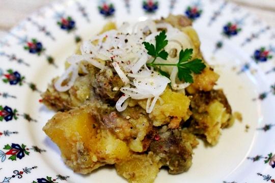 Тушеная говядина с картофелем в мультиварке