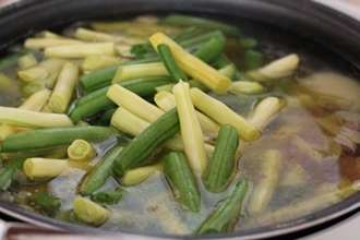 Овощной суп с зеленой фасолью в мультиварке