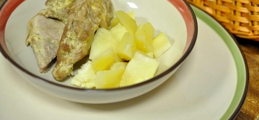 Свинина на пару с картофелем