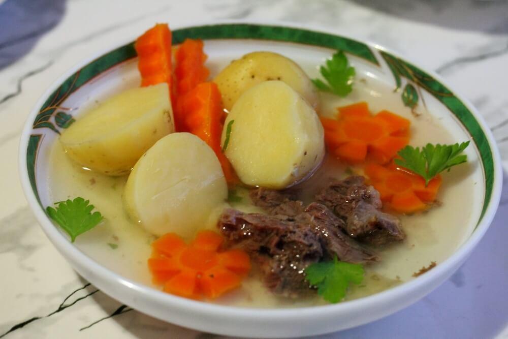 Картофельный суп с овощами в мультиварке