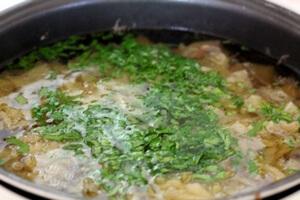 Грибной суп с сельдереем в мультиварке
