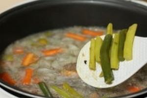 Суп со стручковой фасолью в мультиварке