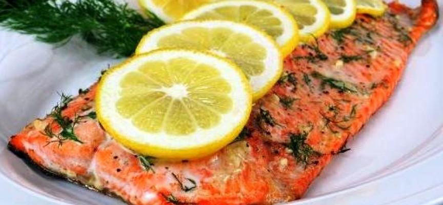 рецепт красной рыбы в духовке с лимоном