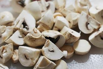 Мясо с грибами в мультиварке