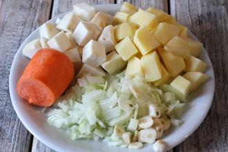 Суп с сельдереем в мультиварке