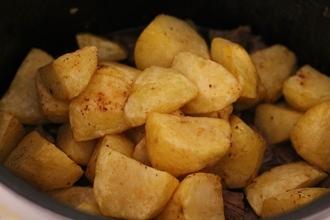 Жаркое из свинины с грибами и картофелем в мультиварке