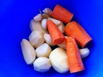 Овощной суп с телятиной в мультиварке