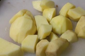 Говядина с картофелем в мультиварке