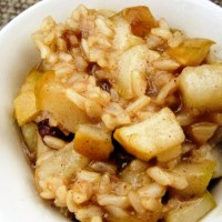 Сладкая рисовая запеканка с яблоком