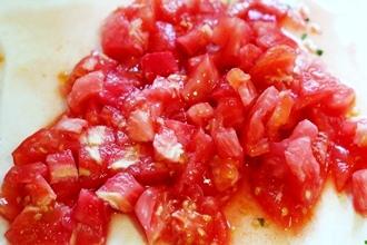 Наваристый суп из баранины и томатами в мультиварке