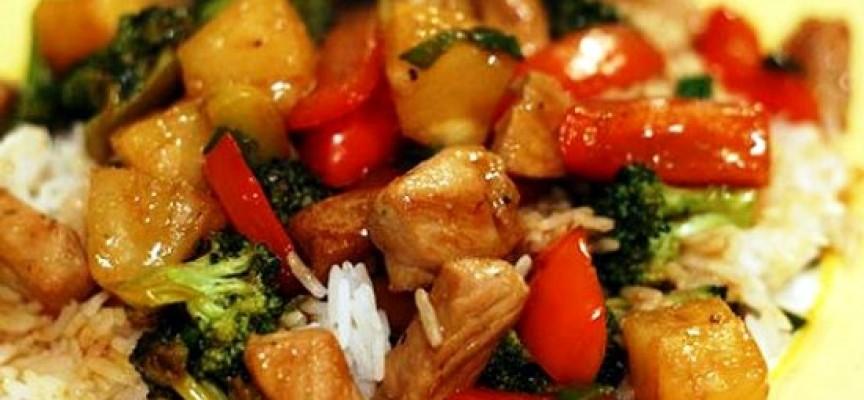 Тушеная свинина с картошкой и овощами
