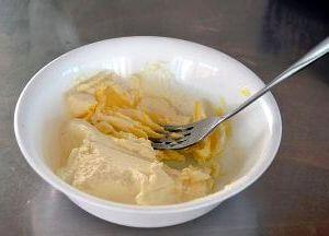 Кекс с бананами и сырным кремом в мультиварке