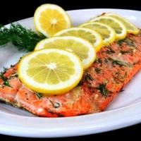 Красная рыба с лимоном в фольге